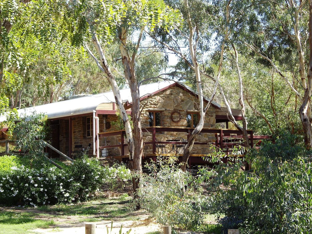 1860 Wine Country Cottages - Broome Tourism