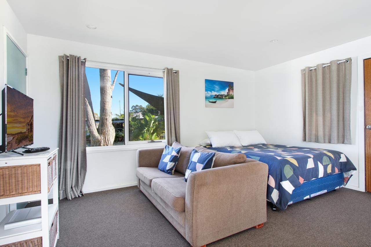 Huskisson Holiday Motel Cabins - Broome Tourism
