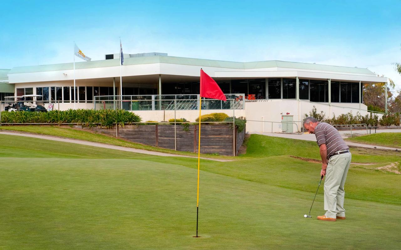cluBarham Golf Resort - Broome Tourism