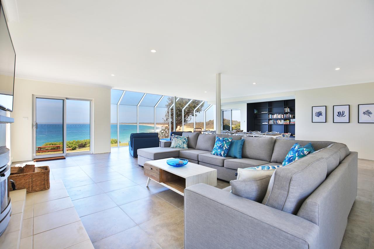 Neptune - Absolute Beachfront - Broome Tourism