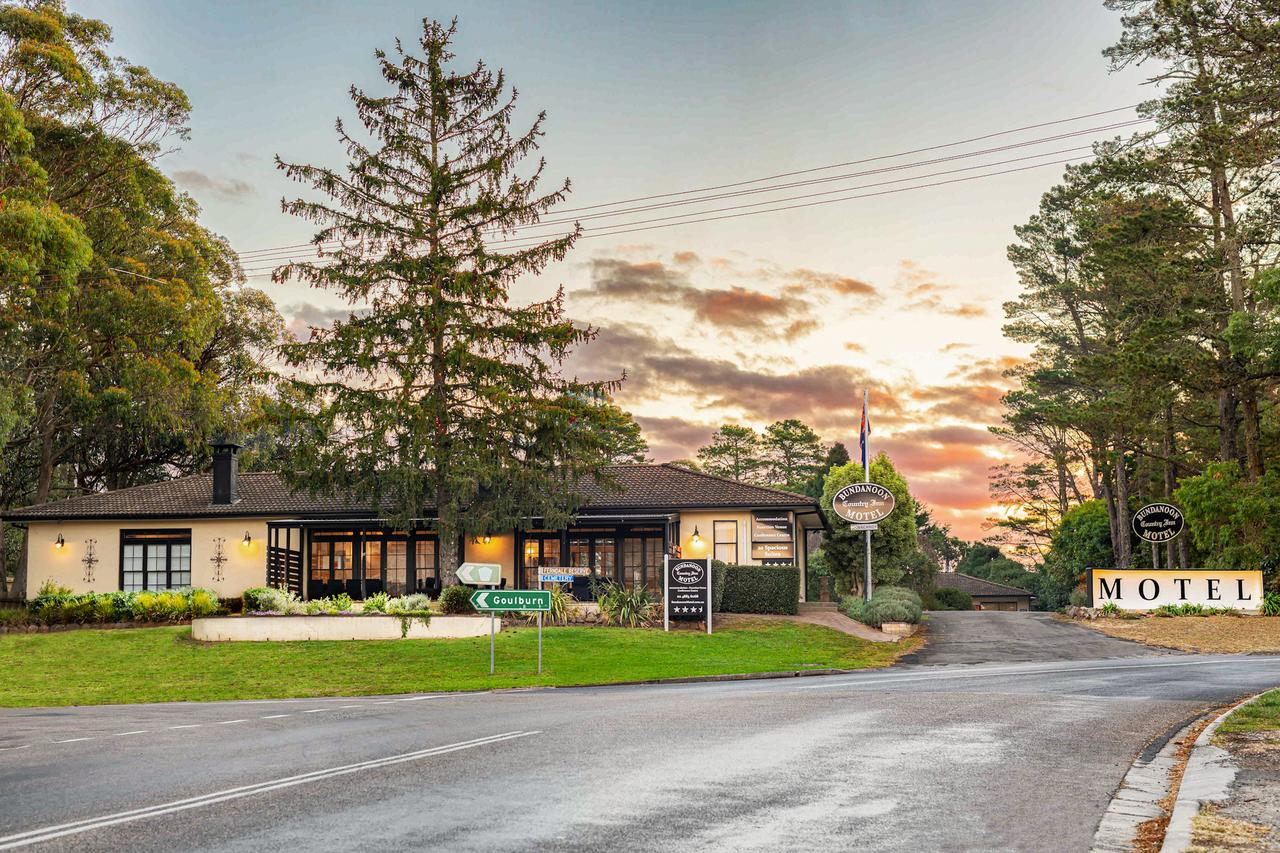 Bundanoon Country Inn Motel - Broome Tourism