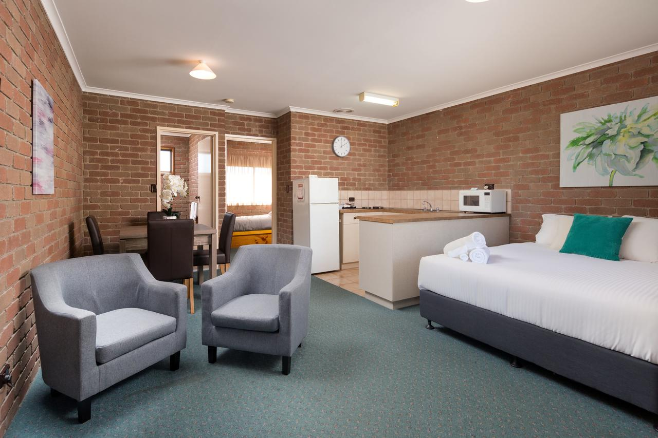 Corowa Bindaree Holiday Park - Broome Tourism