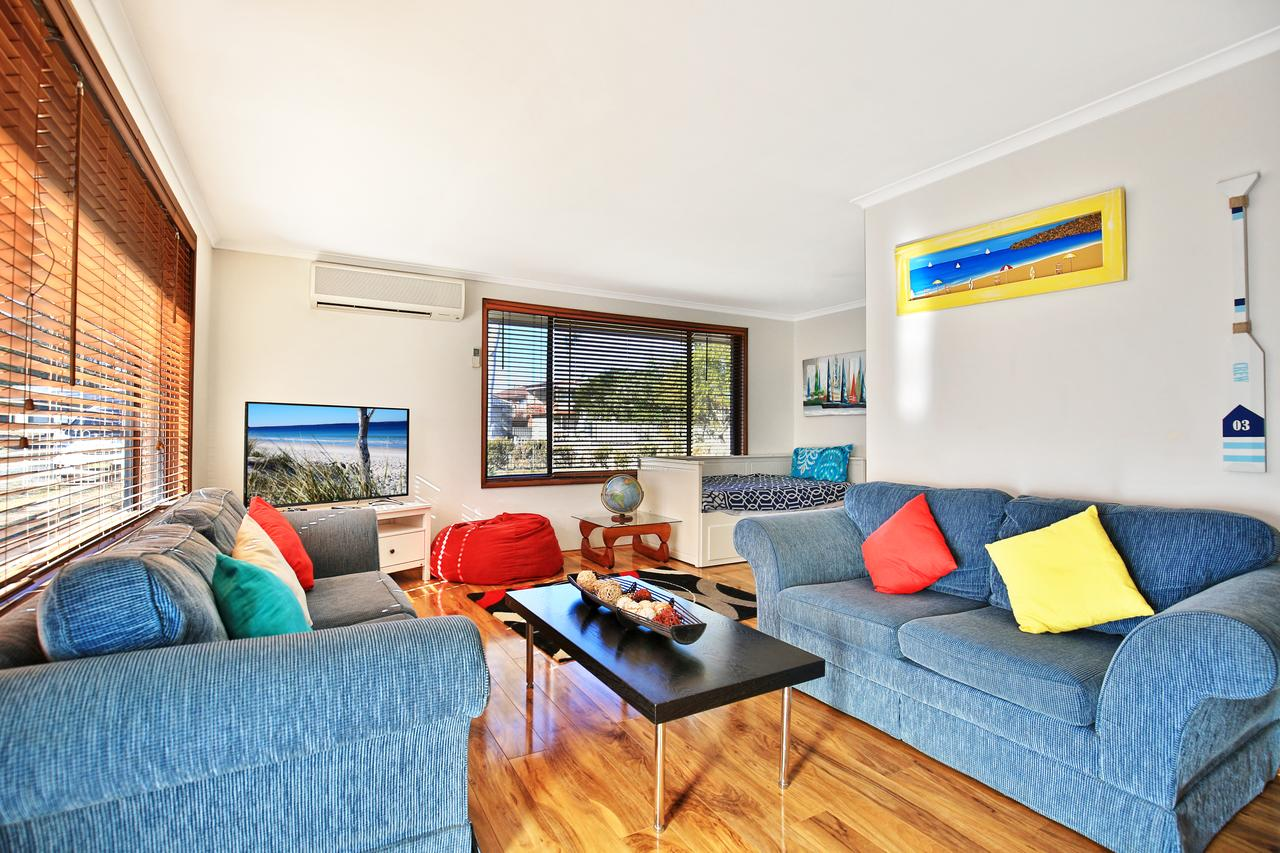 Sandy Toes Beach House Jervis Bay - 2min to Beach - Broome Tourism