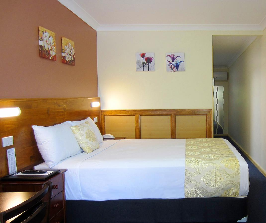 Highway Motor Inn Taree - Broome Tourism
