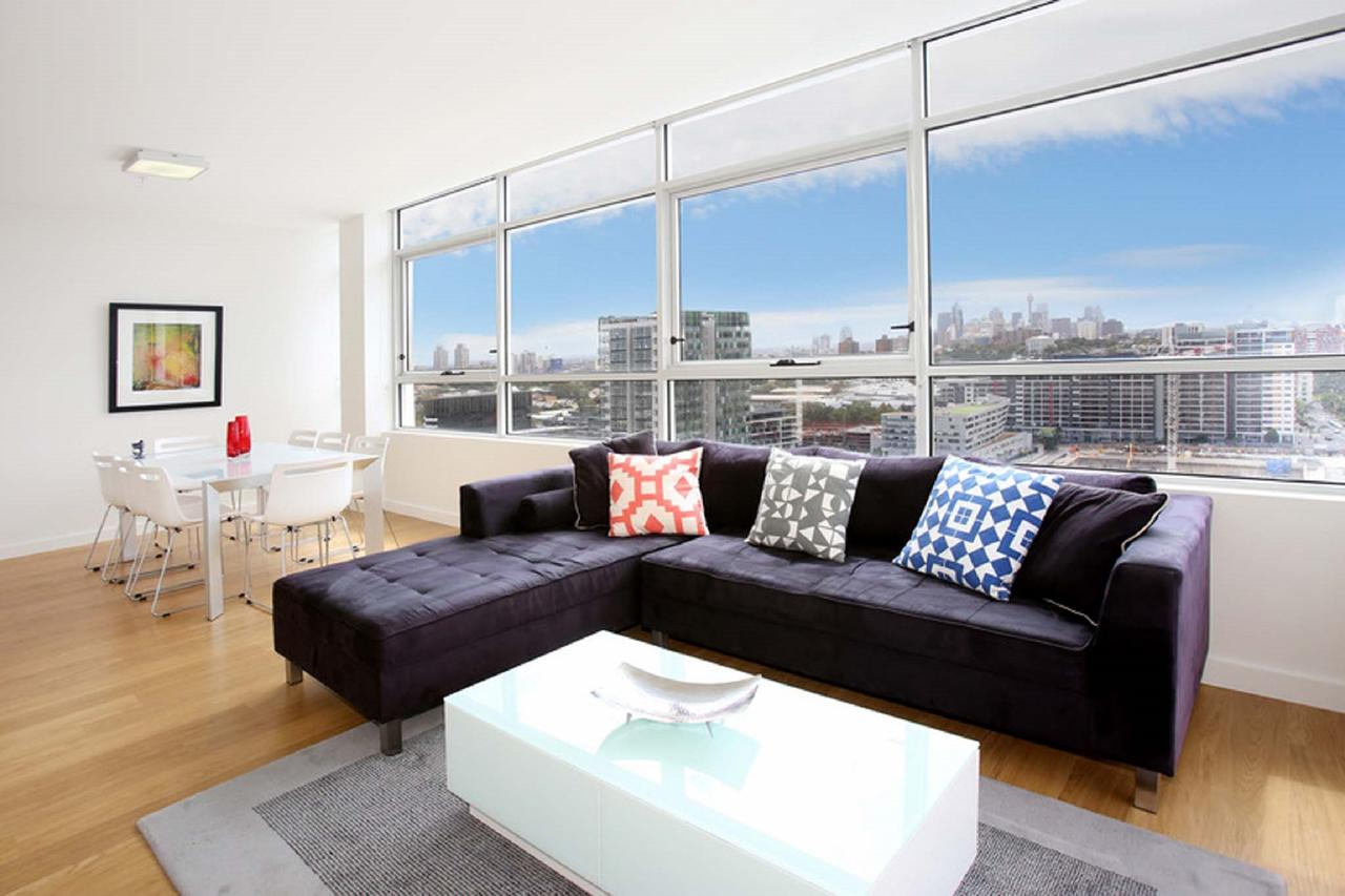 Gadigal Groove - Modern and Bright 3BR Executive Apartment in Zetland with Views - Broome Tourism