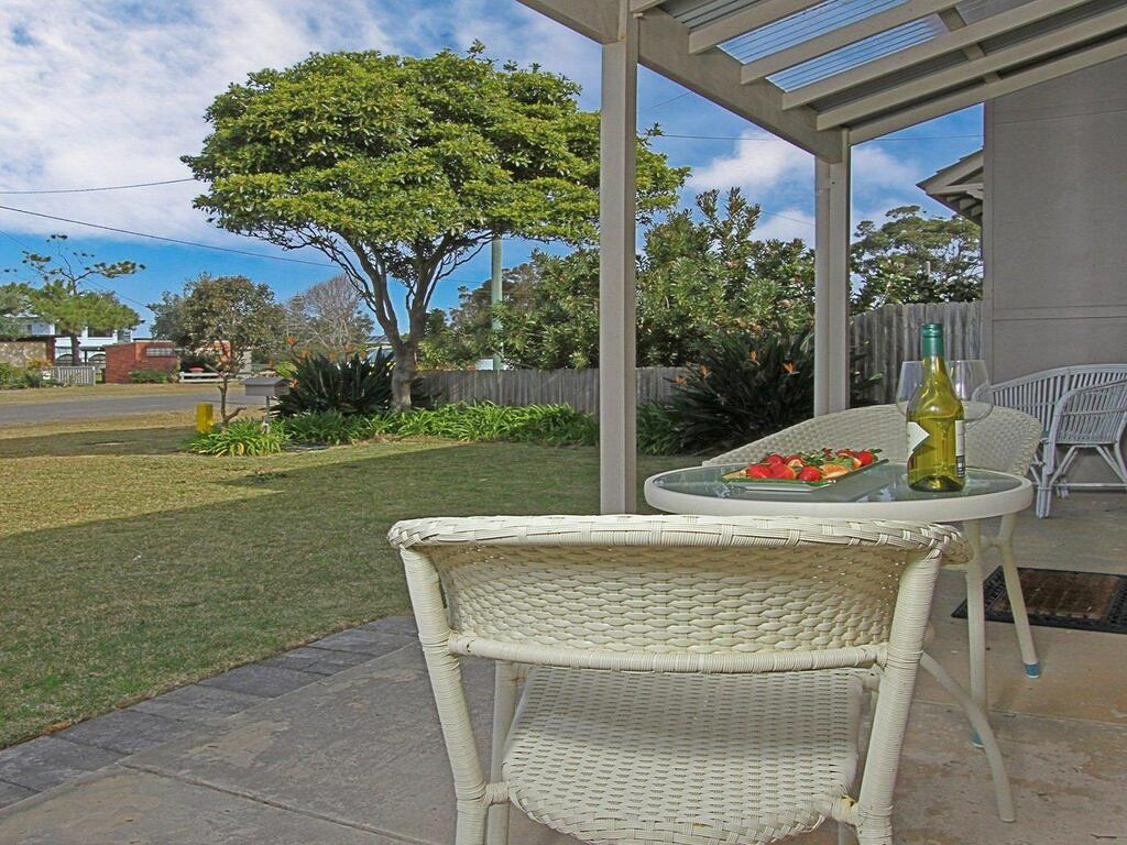 Callala Beach Cottage - charm and character - Broome Tourism