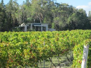 Just Red Wines Cabins - Broome Tourism