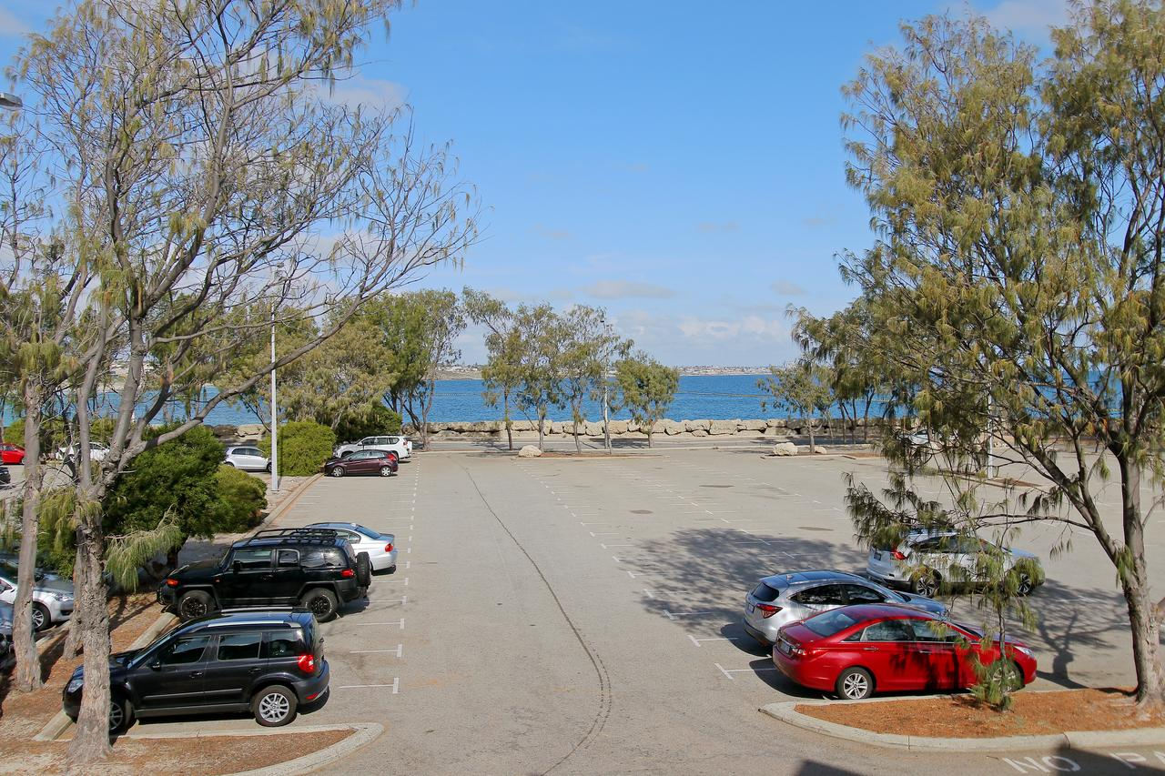 Hillarys Marina Apartment - Broome Tourism