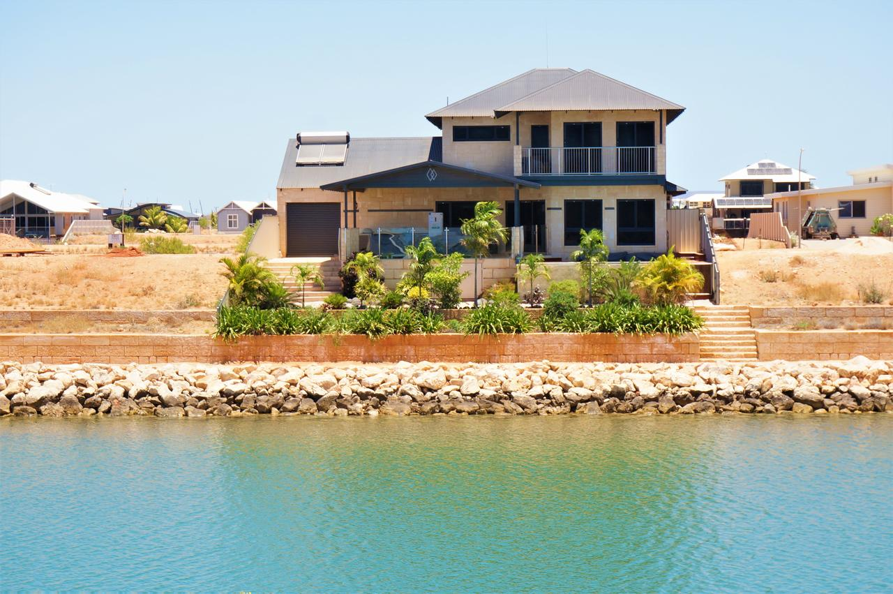 27 Corella Court - Exquisite Marina Home With a Pool and Wi-Fi - Broome Tourism