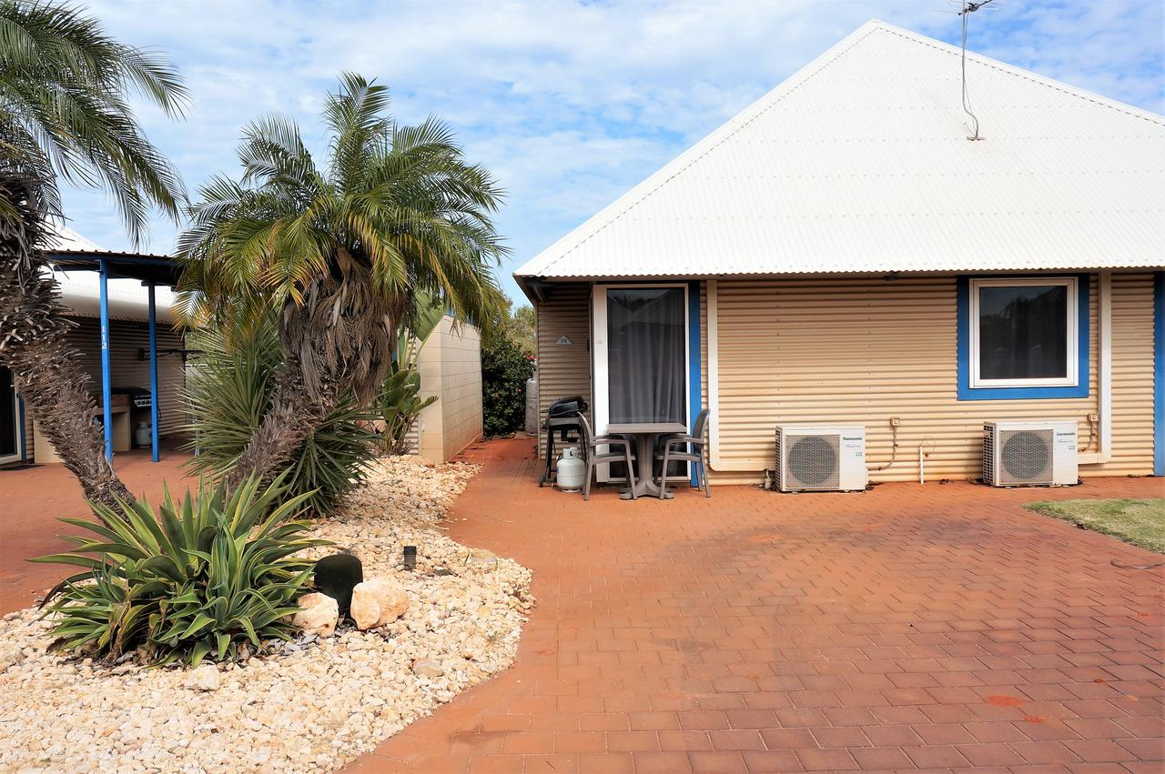 Osprey Holiday Village Unit 213/1 Bedroom - Spa bath king size bed perfect for any couple - Broome Tourism