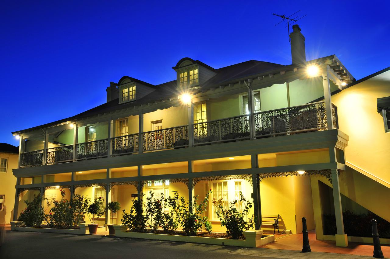 Clifton Motel  Grittleton Lodge - Broome Tourism