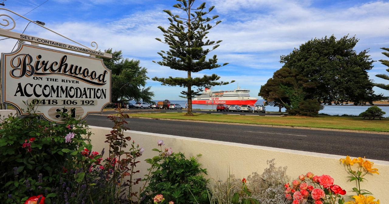 Birchwood Devonport self-contained self catering accommodation - Broome Tourism