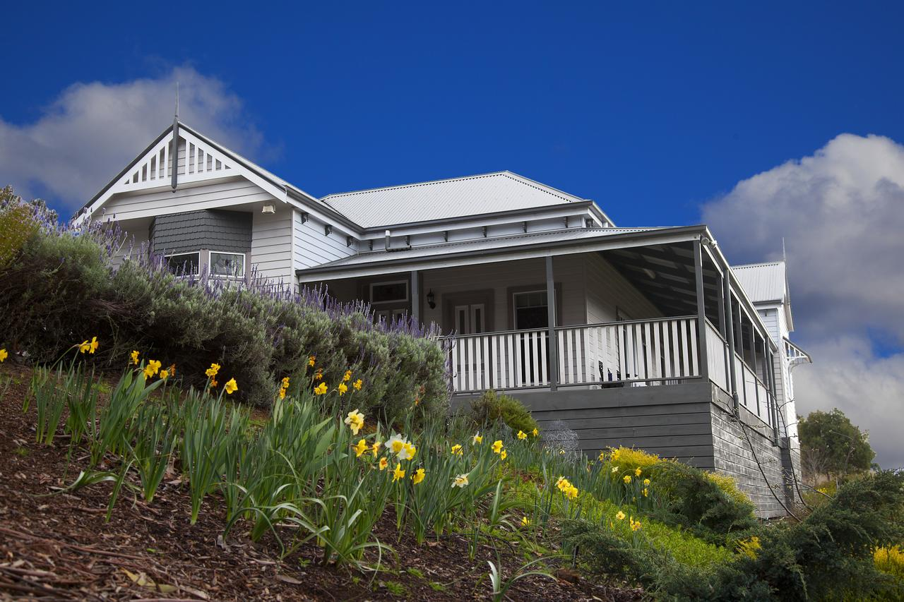 House on the Hill Bed and Breakfast - Broome Tourism