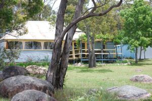 Twisted Gum Vineyard Cottage - Broome Tourism