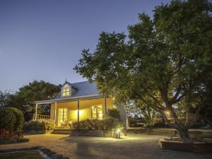 Vineyard Cottages - Broome Tourism