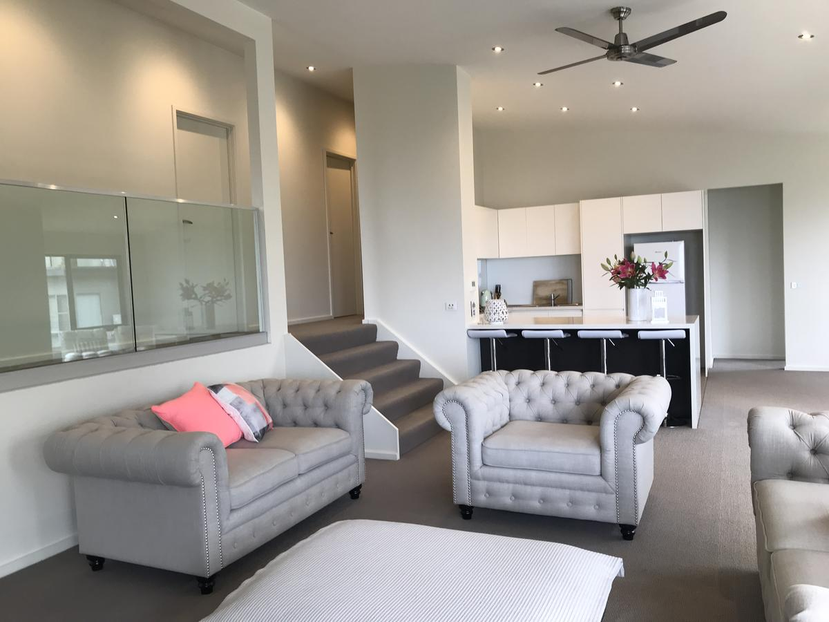 Lorne Sea View Terrace house - Broome Tourism