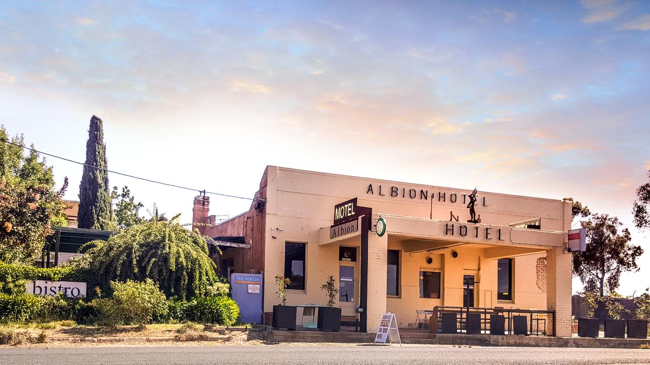Albion Hotel and Motel Castlemaine - Broome Tourism