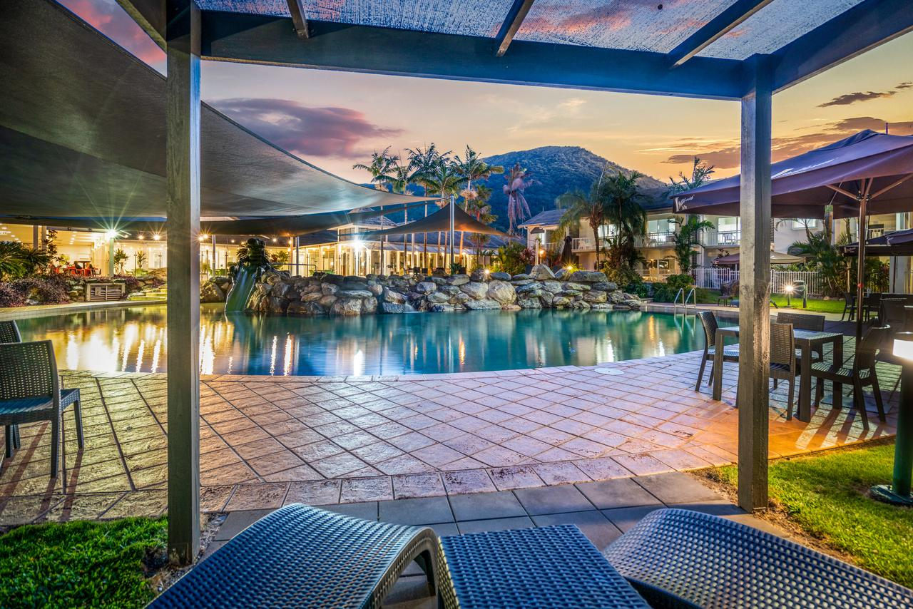 Hotel Grand Chancellor Palm Cove - Broome Tourism