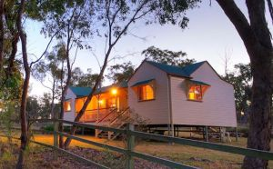 Accommodation Creek Cottages  Sundown View Suites - Broome Tourism